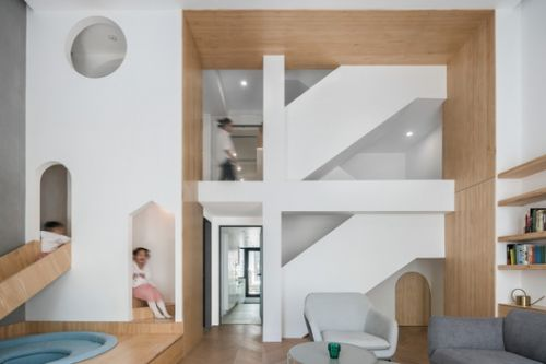 Geometrical Space for a Two Kid Family / Atelier D+Y