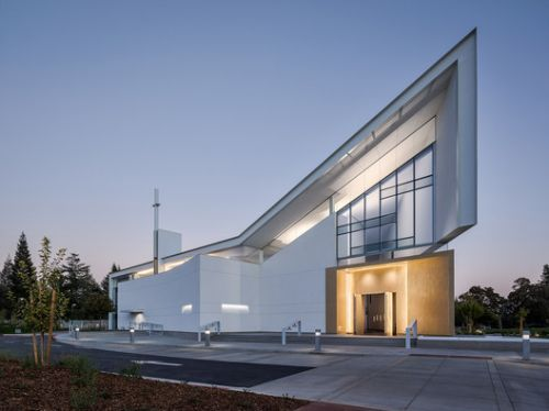 Jesuit High School Chapel of the North American Martyr / Hodgetts + Fung