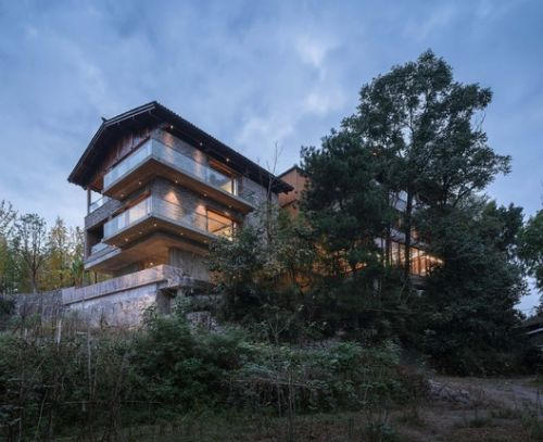 Woodsy Whispers Residence / Shulin Architectural Design