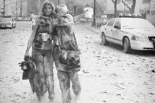 Woman in 9/11 Photo Hires the Same Photog for Her Wedding 17 Years Later