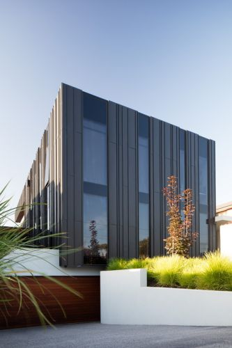 Plumbers House / Finnis Architects