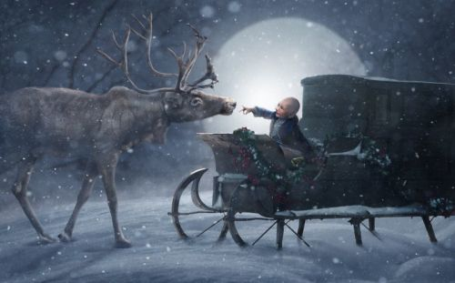 Photographers Visit 200+ Sick Kids in Hospitals for Magical Christmas Photos