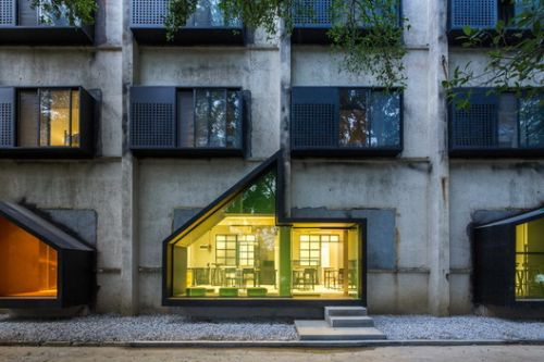 Youth Hotel of iD Town / O-office Architects