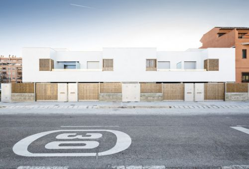 8 townhouses in Granada / DTR studio architects