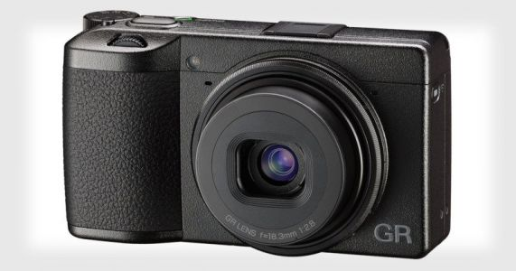 Ricoh GR III: 24MP APS-C, New Lens, 3-Axis IS, Touchscreen
