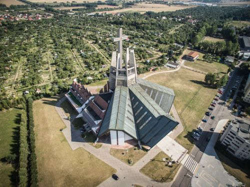 Day-VII Architecture: How the Architecture of Polish Churches Developed in a Secular Socialist State