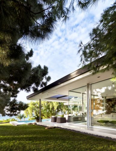 Open Corner Sliding Glass Doors: Towards a Light & Wide Architecture