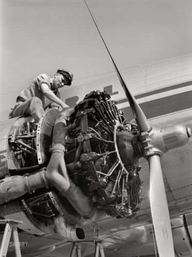 Airline Mechanic: 1941