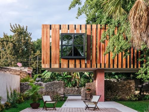 Life on the Tree House / LAAR