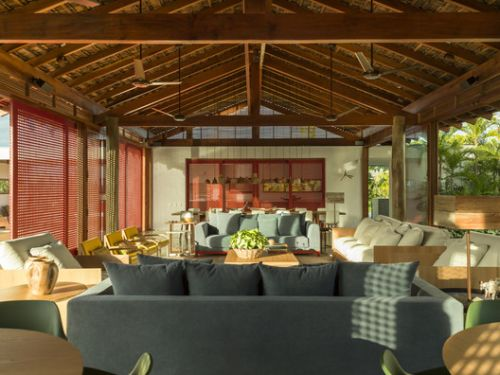 Brazilian Houses: 16 Projects with Tile Roofs