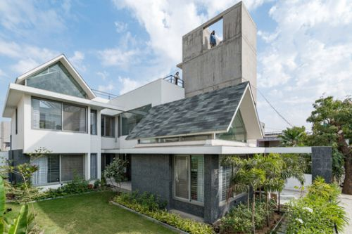Gable House / UA Lab
