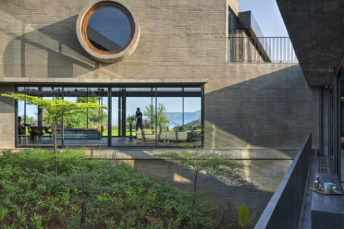 A Home in the Clouds / Research and Enquiry Into Design