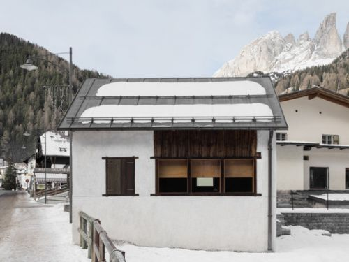 "Restoration of the ""Casino di Bersaglio"" / weber+winterle architects"